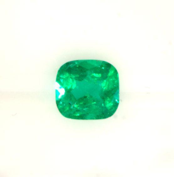 Cushion emerald vivid green -1