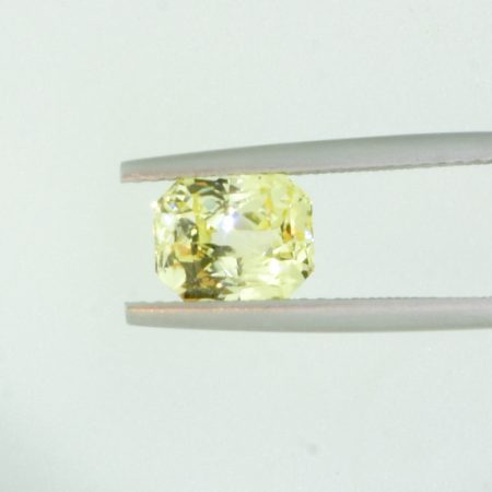 2.56 ct Natural Yellow Sapphire Radiant   Shape Unheated